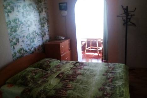 Сдается 1-комнатная квартира посуточно в Алупке, улица Севастопольское шоссе дом 26..