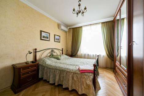 Сдается 2-комнатная квартира посуточно в Москве, Марии Ульяновой улица, 12.