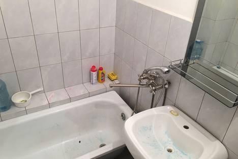 Сдается 2-комнатная квартира посуточно в Грозном, улица Авторханова, 43.