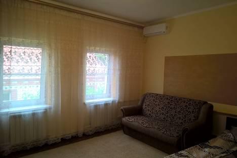 Сдается коттедж посуточно в Новороссийске, ул. Новороссийской Республики, 59.
