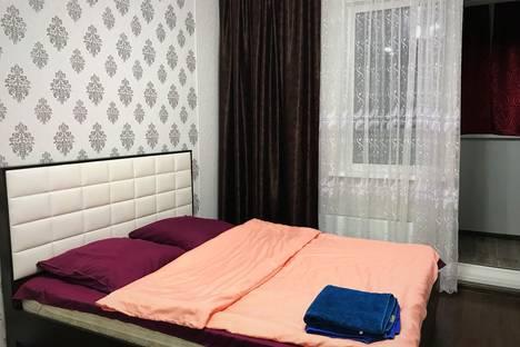 Сдается 1-комнатная квартира посуточно в Сургуте, ул. Александра Усольцева, 26.