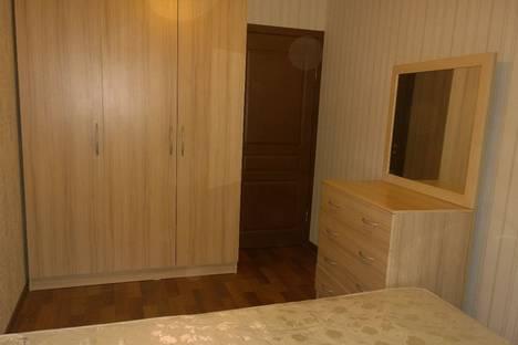 Сдается 2-комнатная квартира посуточно в Бишкеке, 6мкр 39дом.