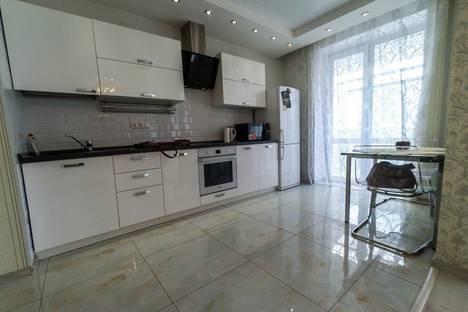 Сдается 1-комнатная квартира посуточнов Омске, улица Маяковского, 97.