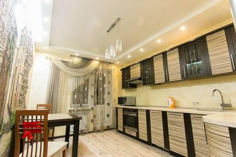 Сдается 1-комнатная квартира посуточнов Омске, улица Маршала Жукова, 101.