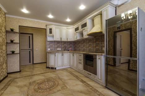 Сдается 2-комнатная квартира посуточнов Омске, улица Конева, 10.