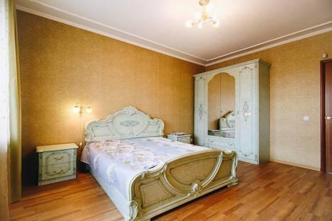 Сдается 3-комнатная квартира посуточнов Омске, К. Маркса проспект, 5.