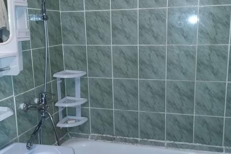 Сдается 2-комнатная квартира посуточно в Яровом, Квартал В дом 25.