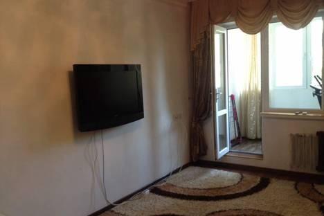 Сдается 3-комнатная квартира посуточно, Тыныстанова Московская 189а.