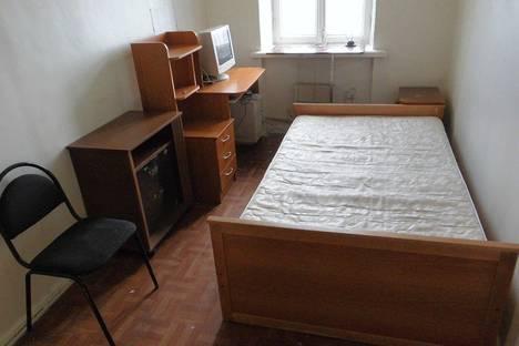 Сдается 2-комнатная квартира посуточно в Апатитах, улица Кирова 7.