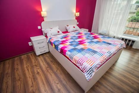 Сдается 2-комнатная квартира посуточно в Гурзуфе, ул.Соловьева 30к4.