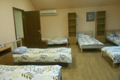 Сдается 3-комнатная квартира посуточно в Ессентуках, улица Октябрьская, 92.
