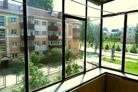 Сдается 2-комнатная квартира посуточнов Альметьевске, улица Джалиля, 24.