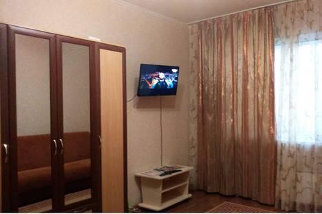 Сдается 1-комнатная квартира посуточно в Сургуте, проспект Пролетарский 39.