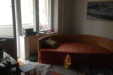 Сдается 3-комнатная квартира посуточно в Красногорске, Ул Школьная 10.