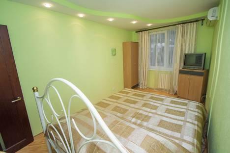 Сдается 3-комнатная квартира посуточнов Ливадии, 9 ул. Подвойского.