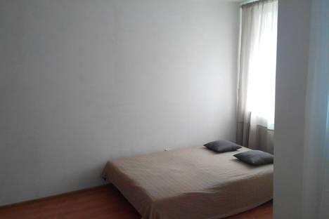 Сдается 1-комнатная квартира посуточно, улица Большевистская 128.