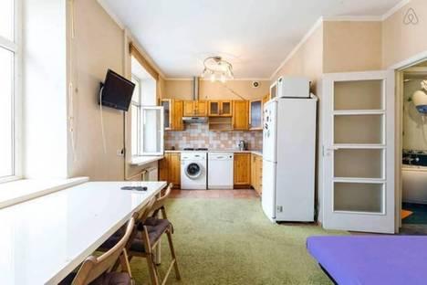 Сдается 2-комнатная квартира посуточнов Санкт-Петербурге, Жуковского 4.