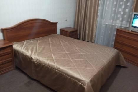 Сдается 2-комнатная квартира посуточно, пр.к.маркса д.166.