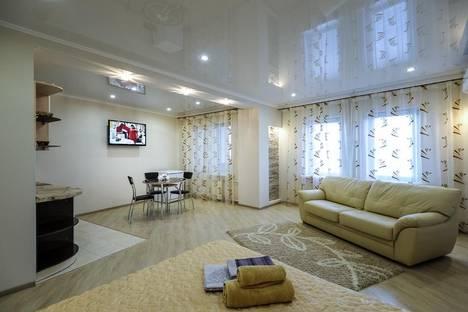 Сдается 1-комнатная квартира посуточно в Омске, Жукова 101/1.