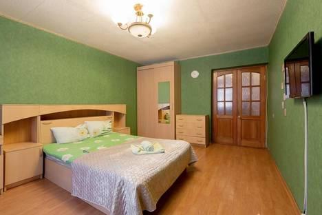 Сдается 2-комнатная квартира посуточно в Туле, Кирова 17.