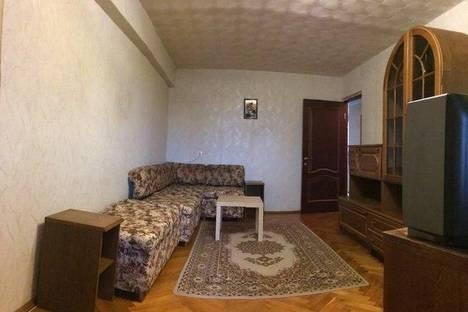 Сдается 2-комнатная квартира посуточнов Сочи, улица Роз 82.