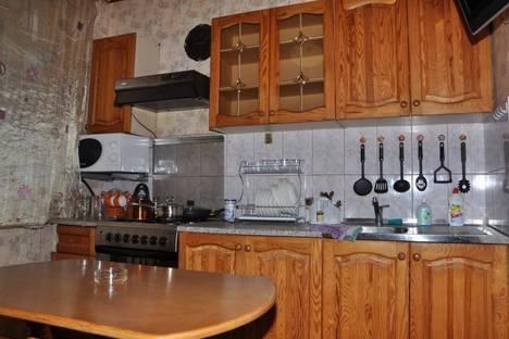 Сдается 3-комнатная квартира посуточно, пр.Текстильщиков, 48.