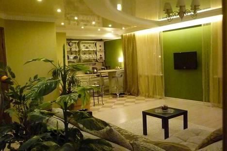 Сдается 1-комнатная квартира посуточно в Набережных Челнах, Пр-т Набережночелнинский, 70/56.