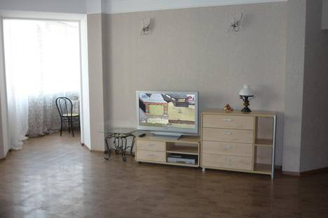 Сдается 2-комнатная квартира посуточнов Омске, Масленникова, 80.