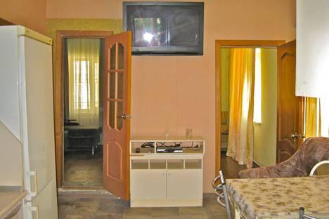 Сдается 3-комнатная квартира посуточно в Новороссийске, ул. Маяковcкого д.11.