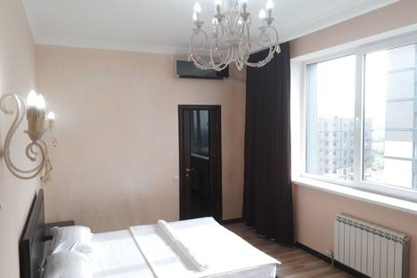 Сдается 2-комнатная квартира посуточно в Алматы, Альфараби21 блок 5.