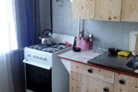 Сдается 3-комнатная квартира посуточно в Яровом, квартал Б, 26.