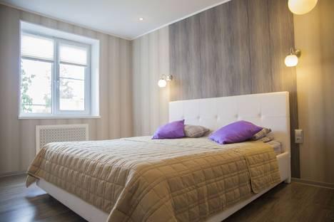 Сдается 2-комнатная квартира посуточно в Петрозаводске, улица Варламова д.38.