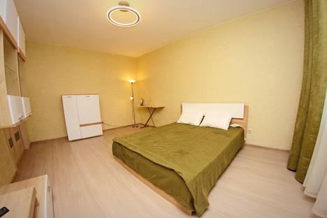 Сдается 1-комнатная квартира посуточнов Воронеже, улица Куколкина, 11.