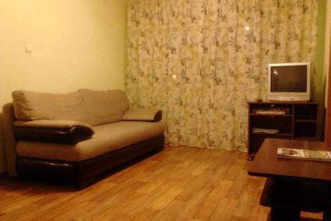 Сдается 2-комнатная квартира посуточно в Егорьевске, 1-й мкр. д 42.