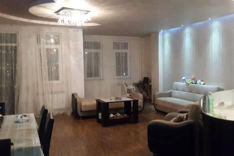 Сдается 4-комнатная квартира посуточнов Кобулети, улица ангиса 2.