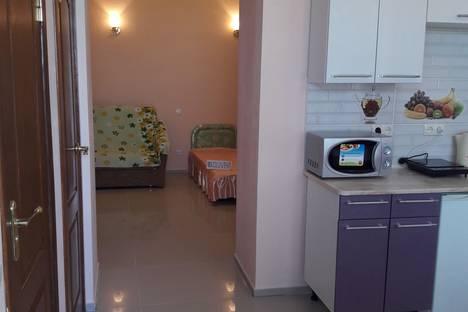 Сдается 1-комнатная квартира посуточно в Алупке, ул. Севастопольское шоссе, 22.