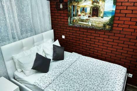 Сдается 1-комнатная квартира посуточно, Строителей, 117.