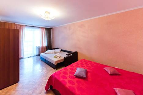 Сдается 1-комнатная квартира посуточнов Томске, проспект Ленина, 166.
