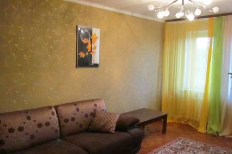 Сдается 2-комнатная квартира посуточно в Чехове, Полиграфистов дом 25.