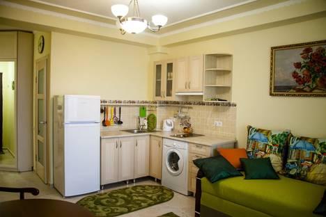 Сдается 1-комнатная квартира посуточно в Гаспре, 69 улица Маратовская.