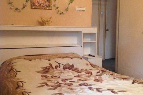 Сдается 2-комнатная квартира посуточнов Воскресенске, 1 микрорайон д 16а.