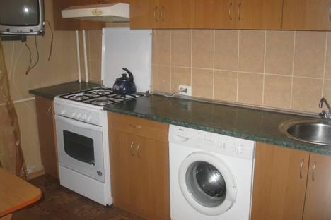 Сдается 3-комнатная квартира посуточно в Бердянске, Запорожская область,улица Мичурина 85.