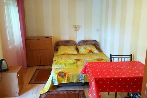 Сдается комната посуточно в Судаке, Крым,д 6 улица Маршала Бирюзова.