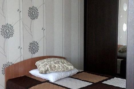 Сдается 2-комнатная квартира посуточнов Братске, Комсомольская улица, 42.