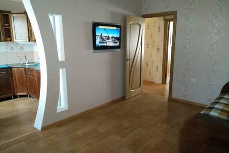 Сдается 2-комнатная квартира посуточнов Вольске, улица Чапаева, 129.