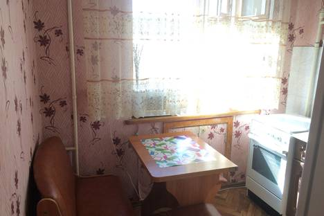 Сдается 1-комнатная квартира посуточнов Омске, Карла Маркса проспект, 26.