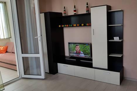 Сдается 1-комнатная квартира посуточно в Севастополе, 12 улица Парковая.