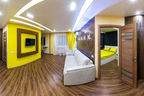 Сдается 2-комнатная квартира посуточно в Новосибирске, улица Ватутина, 33.