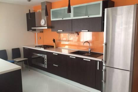 Сдается 2-комнатная квартира посуточно в Казани, улица Большая Красная, 8.