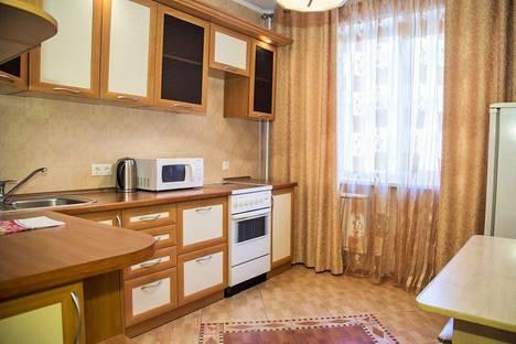 Сдается 2-комнатная квартира посуточно в Красноярске, улица Алексеева, 97.